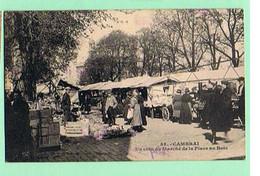 BELLE CARTE DE CAMBRAI * UN COIN DU MARCHE DE LA PLACE AU BOIS * - Cambrai