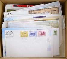 2000-2010 Közötti FDC Gyűjtemény, 200 Db Különféle, Dobozban (201.950) / Collection Of 200 Different FDCs Housed In A Bo - Non Classificati