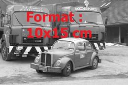 Reproduction Photographie Ancienne De Deux Camions Saurer Et Une Automobile Saurer-Beetle En 1981 - Riproduzioni