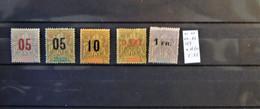 04 - 21 / Madagascar N° 111 - 112 - 114 - 122 - 123 En * Et (*)  - Cote : 28 Euros - Used Stamps