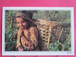 Visuel Pas Très Courant - Népal - Sickle And A Smile - Très Bon état - R/verso - Nepal