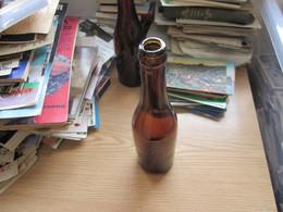 Old Beer Bottles Szabadka Subotica Marque Deposee Dege Skladiste Piva - Beer