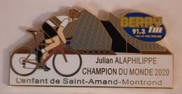 PIN'S CYCLISME JULIAN ALAPHILIPPE CHAMPION DU MONDE/RADIO - Cycling