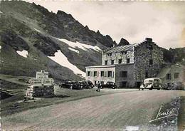 Automobiles - Petit Plan - Le Col De L'Iseran - Sommet Du Col Et Le Chalet-Hotel - CPM - Voir Scans Recto-Verso - Turismo