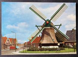 Den Oever Wierigen/Moolen ,de Hoop'/ Old Cars - Den Oever (& Afsluitdijk)