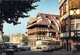67 - Strasbourg - Promenade Touristique En Petit Train Dans La Rue Du Bain Aux Plantes - Strasbourg
