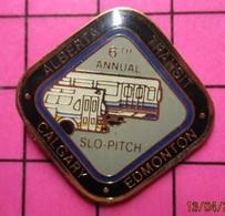 113c Pin's Pins / Beau Et Rare / THEME : TRANSPORTS / AUTOBUS ROUTIER CANADA 6th ANNUAL SLO-PITCH ALBERTA CALGARY EDMONT - Trasporti