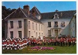 2 CPM - VERNEUIL-L'ETANG (Seine Et Marne) - L'Amicale Verneuillaise Et Les Majorettes - Ses Majorettes - Zonder Classificatie