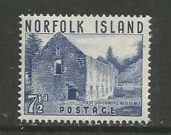 Norfolk Island  - 1953  Governors Residence 7.5d MNH **   SG 15  Sc 15 - Norfolk Island