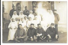 17-ROYAN-CARTE PHOTO- Hôpital Militaire Du Casino, Intérieur, Groupe Infirmiers, Infirmières...18e Régiment...1914 Animé - Royan