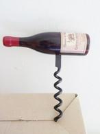 TIRE BOUCHON CHATEAUNEUF DU PAPE Domaine De Chanabas - Bottle Openers