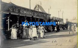 157693 URUGUAY MONTEVIDEO CALLE LAVALLEJA COSTUMES PEOPLE YEAR 1912 POSTAL POSTCARD - Uruguay