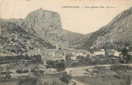 CPA 04 Alpes De Haute Provence Castellane Vue Générale - Castellane