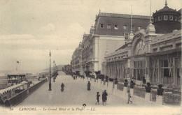 14 CABOURG - Le Grand Hôtel Et La Plage - Cabourg