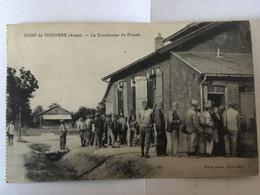 CARTE POSTALE CAMP DE SISSONNE - LA DISTRIBUTION DU PINARD - Sissonne