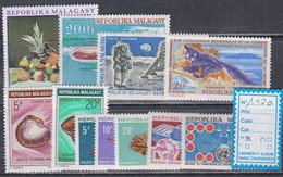 Madagascar  Année Complète 1970  XX Poste 472 / 80, Poste Aérienne 112 / 13, Les 11 Valeurs Sans Charnière, TB - Madagascar (1960-...)