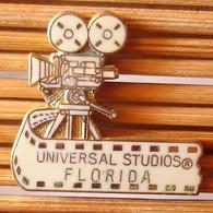Joli Pin's Thème Cinéma, Universal Studios Florida, émail Grand Feu, TBQ, Pins Pin. - Cinema