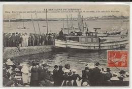 56- 100045  -  LORIENT  -  Les Vedettes Faisant Le Service KERNEVEL Et LARMOR à La Cale De La Perriére En 1914 - Lorient