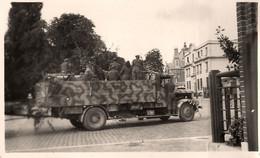 Troyes * Les Américains * Camion Militaire * Aout 1944 * Photo Ancienne Ww2 Auto War Guerre 1939 1945 - Troyes