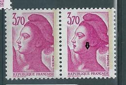 [47] Variété : N° 2486a Type Liberté Grain De Beauté Sur Le Cou Tenant à Normal ** - Varieteiten: 1980-89 Postfris