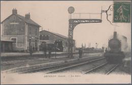 Artenay , Train En Gare , Pli Coin Haut Gauche , Animée - Zonder Classificatie