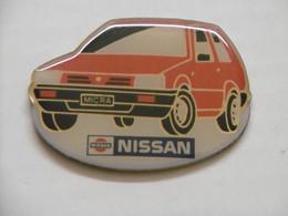 Pin's - Automobile NISSAN MICRA - Pins Pin Badge Auto Voiture Rouge - Autres