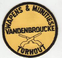 """Torhout  """" Wapens & Munitie Vandenbroucke   - Old écusson - '70 Geweven Embleem - Torhout"""