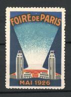 Reklamemarke Paris, Foire 1926, Zwei Türme Mit Beleuchtung - Cinderellas