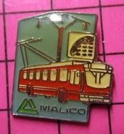 710b Pin's Pins / Beau Et Rare / THEME : TRANSPORTS / AUTOBUS URBAIN ELECTRIQUE ROUGE MALICO - Associations