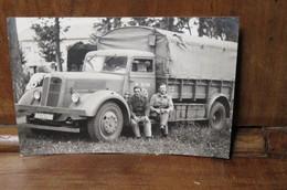 Carte Photo Années  40  Camion Berliet Et Chauffeur - Camions & Poids Lourds