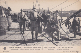 Dans Les Balkans Salonique L'état-major Arrive à Terre - Bateau Port - Guerra 1914-18