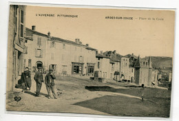 63 ARDES Sur COUZE Villageois Place De La Croix 1910-   L'Auvergne Pittoresque VDC    D07 2021 - Altri Comuni