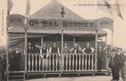 Grand Bal Bonnet à Saint-Aignan, Voir Scan Pour Petit Manque Entre Entrée Et Gd Bal Dans Le Bandeau - Saint Aignan