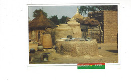 AFRIQUE BURKINA FASO PROVINCE DE SANIMATENGA  CONCESSION MOSSI EN CAMPAGNE   ****   A  SAISIR  **** - Burkina Faso