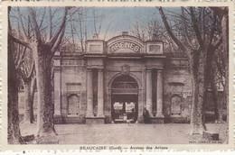 BEAUCAIRE : T.RARE CPA DE 1934.AVENUE DES ARENES ET L ENTREE. T.B.ETAT - Beaucaire