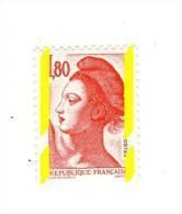 Liberté 1fr80 Rouge YT 2220d Avec Phospho à Cheval . Rare , Voir Le Scan . Cote YT : 10 € , Maury N° 2219 A : 10 € . - Varietà: 1980-89 Nuovi