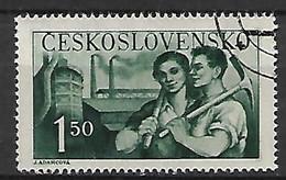 TCHECOSLOVAQUIE     -    1950 .  Y&T N°  532  Oblitéré.  Couple De Travailleurs - Used Stamps