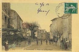 CPA - 13 -  Lambesc - Place De La République - Lambesc