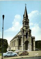 CPSM Grand Format LE VESINET Eglise Ste Marguerite Belles Voitures 2CV 404 Peugeot RV - Le Vésinet