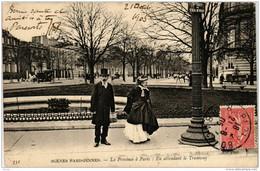 CPA AK PARIS La Province A PARIS En Attendant Le Tramway ND Phot (700748) - Ambachten In Parijs