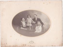 Photographie D'Art Collée Sur Un Carton épais / Famille Fortin / Phot. J. POYET à EPERNAY - Identified Persons