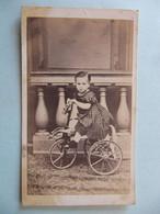 PHOTO LANCELOT LEGRET - TROYES VERDUN - ENFANT SUR TRICYCLE CHEVAL - JOUET - Format : 10 X 6 Cm - Personnes Anonymes