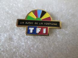 PIN'S     TF1   LA ROUE DE LA  FORTUNE - Media