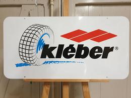 Plaque Métal KLEBER - Plaques En Tôle (après 1960)