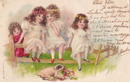 Quatre Enfants Et Un Chien En Relief Circulée En 1905 - Children And Family Groups
