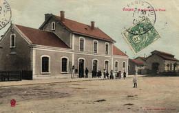 EURE ET LOIR - 28 - TOURY - La Gare Et La Place - Other Municipalities