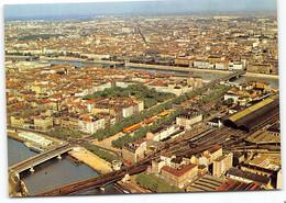 Lyon. Vue Aerienne, La Saone Perrache Et Le Rhone.  Ecrite 1972 Edit Cellard. Gare Ferroviaire - Otros