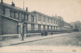 94) IVRY-sur-SEINE : Les Ecoles (1918) - Ivry Sur Seine