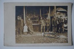 """Foto-AK: LKW Versorgungeinheit Sanitätseinheit ? Beschriftung LKW """"...K.2"""" / Werkstatt - War 1914-18"""