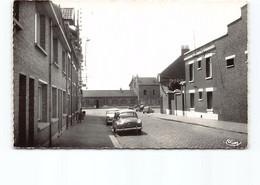 Bailleul - Nord - Rue De La Gare.  Edit Cim 4129   CPSM Automobile, Voiture.... - Other Municipalities
